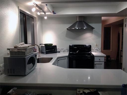 DIY kitchen backsplash: complete!