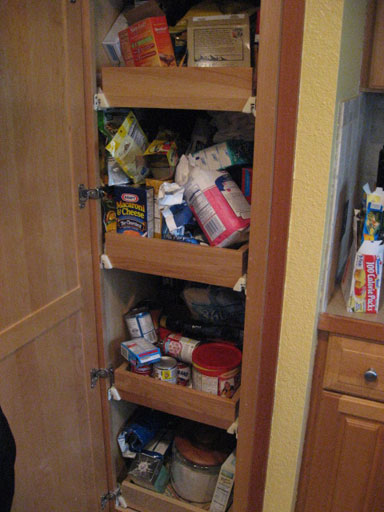reasons why your house isn't selling overstuffed storage